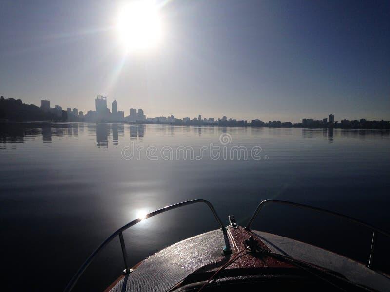 Lever de soleil sur le cygne Perth, Australie occidentale images stock