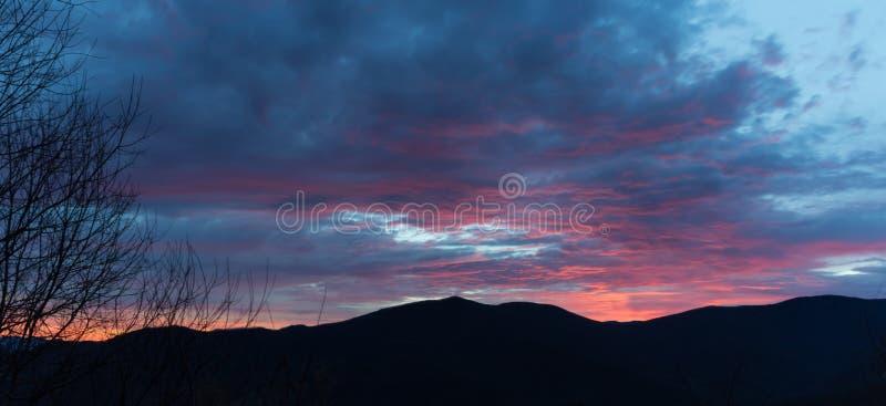 Lever de soleil sur Ridge Parkway bleu, Great Smoky Mountains photo stock