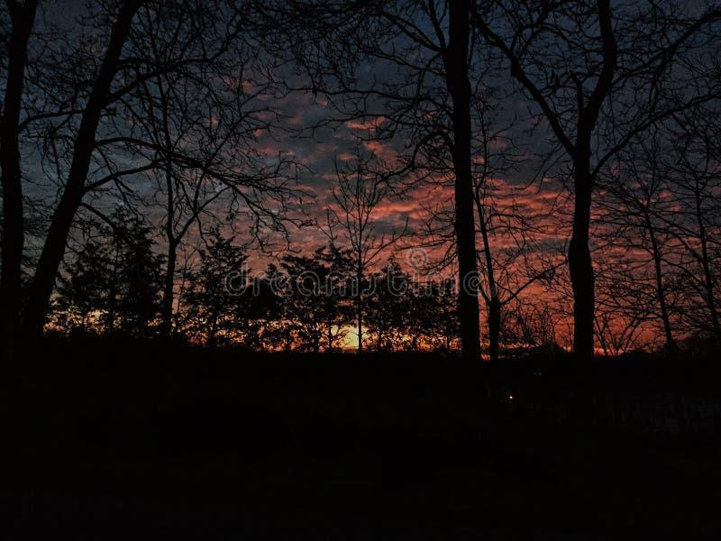 lever de soleil un matin poussiéreux photographie stock