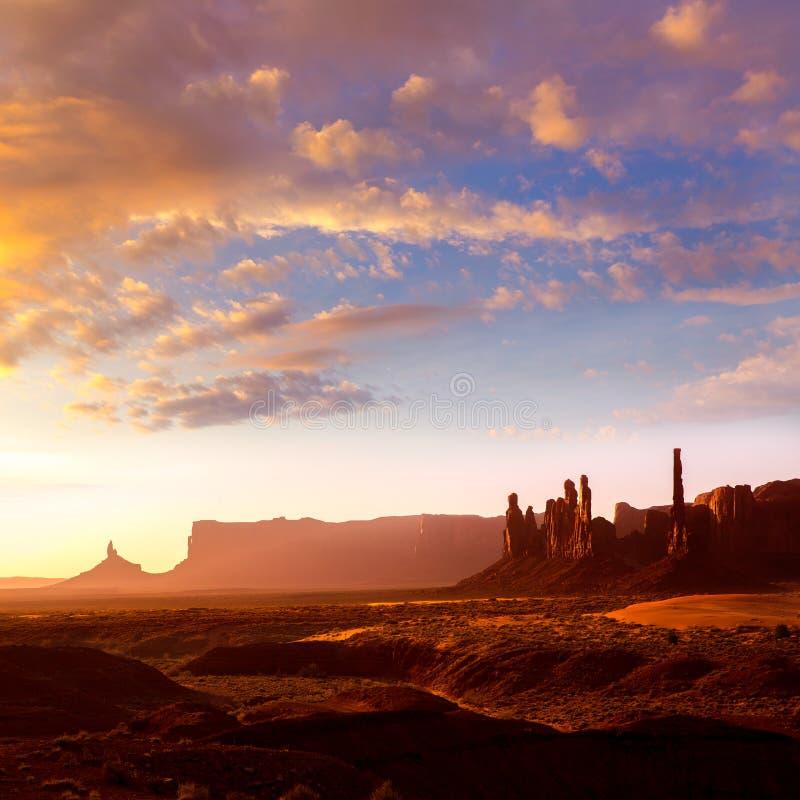 Lever de soleil Utah de Polonais de totem de vallée de monument image stock