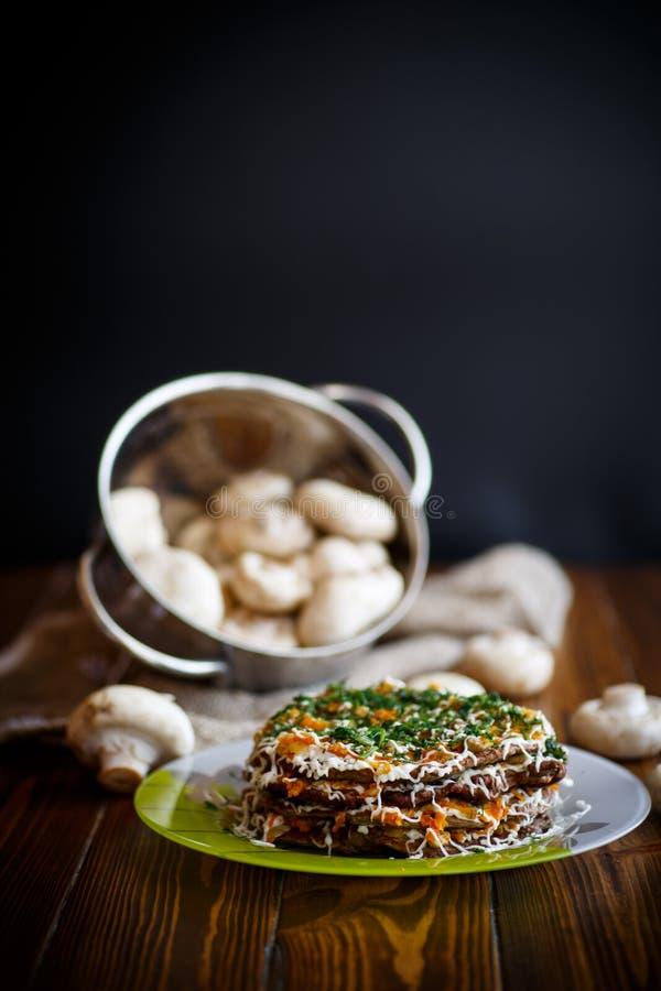 Levercake met groenten wordt gevuld die stock fotografie