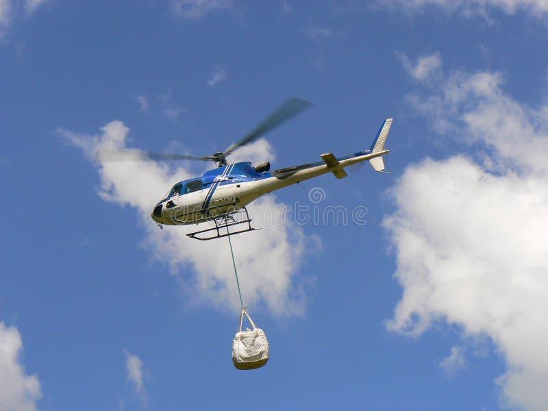 Levering door helikopter stock foto's