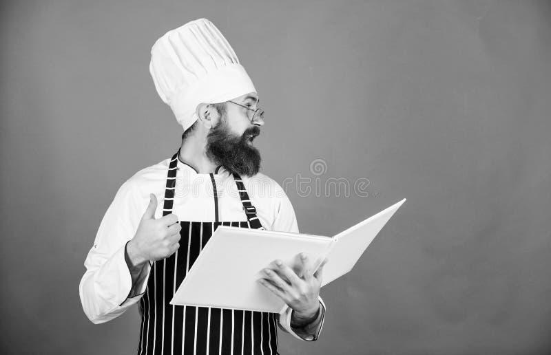 Leveringsbevestiging Chef-kokmens in hoed Geheim smaakrecept vegetari?r Rijpe chef-kok met baard Gebaarde mensenkok binnen royalty-vrije stock afbeelding