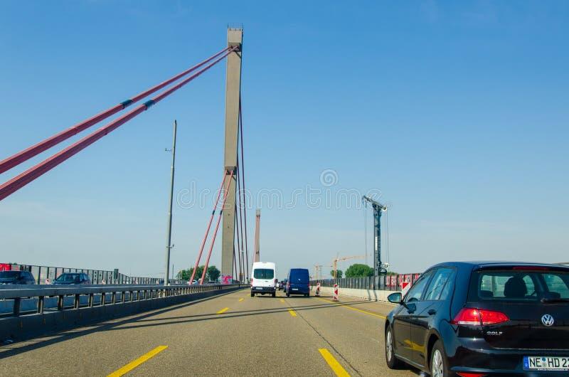 Leverkusen, Γερμανία - 26 Ιουλίου 2019: Γέφυρα Leverkusen, οδική γέφυρα που εκτείνεται στον ποταμό Ρήνο στο Leverkusen και στην Κ στοκ εικόνες με δικαίωμα ελεύθερης χρήσης