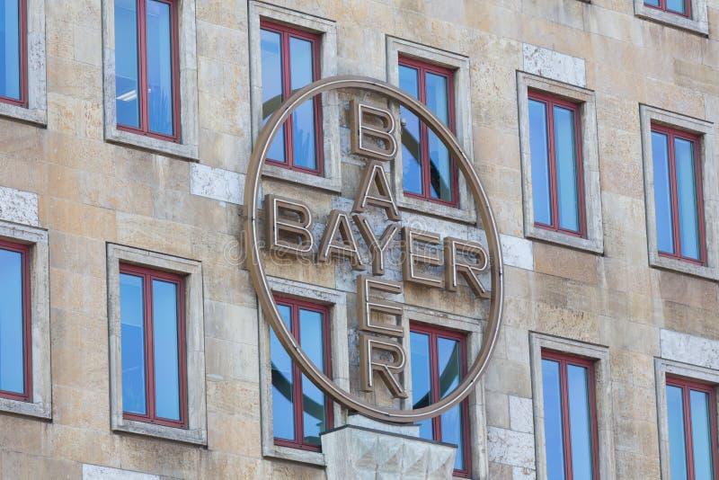 Leverkusen, Noordrijn-Westfalen/Duitsland - 23 11 18: bayer hoofdkwartier in Leverkusen Duitsland royalty-vrije stock afbeeldingen