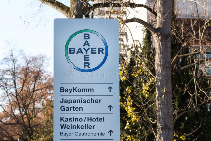 Leverkusen, Noordrijn-Westfalen/Duitsland - 23 11 18: bayer hoofdkwartier in Leverkusen Duitsland royalty-vrije stock fotografie
