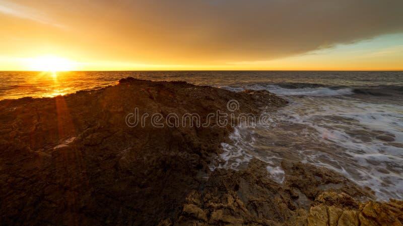 Levez à l'aide d'un levier la ville gentille de lever de soleil gentil de sur de soleil photographie stock