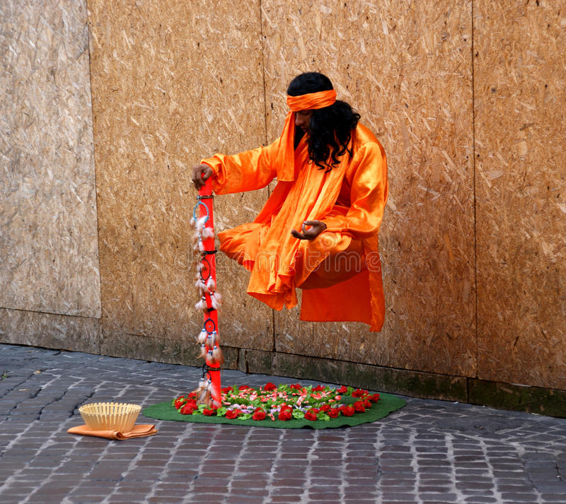 Download Levitating Street Performer Editorial Photo