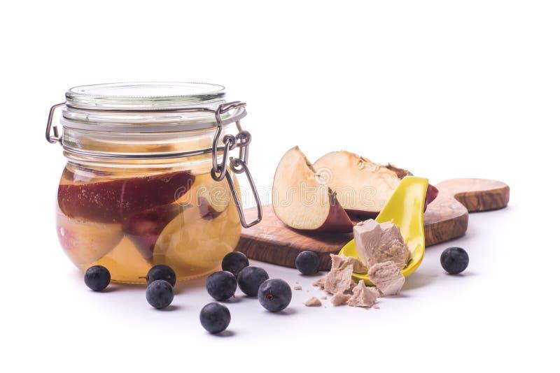 Levure sauvage de fermentation de fruit images stock