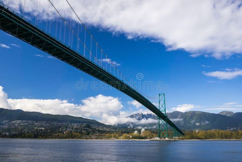 Lew bramy most zdjęcie stock