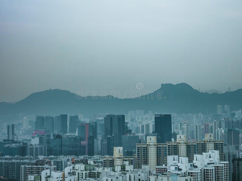 Lew skała i budynek, Hong Kong fotografia stock