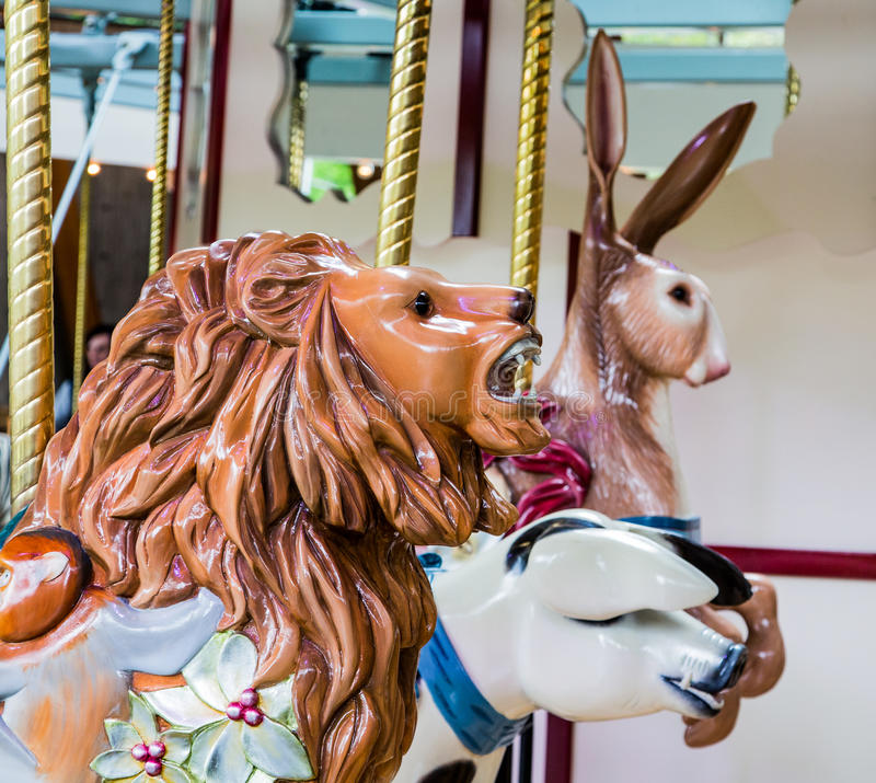 Lew w Carousel fotografia stock