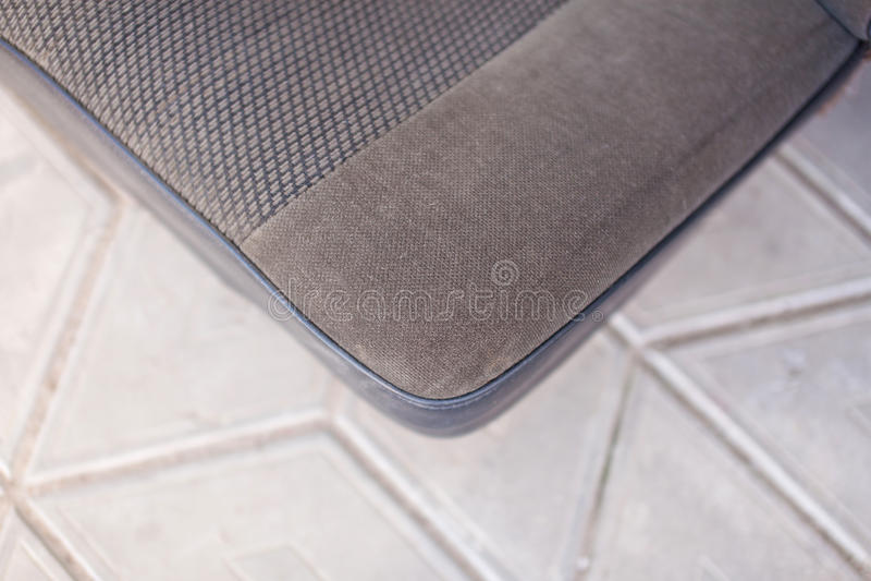 Lewa strona tekstura tylni samochodu popielaci siedzenia zdjęcie stock