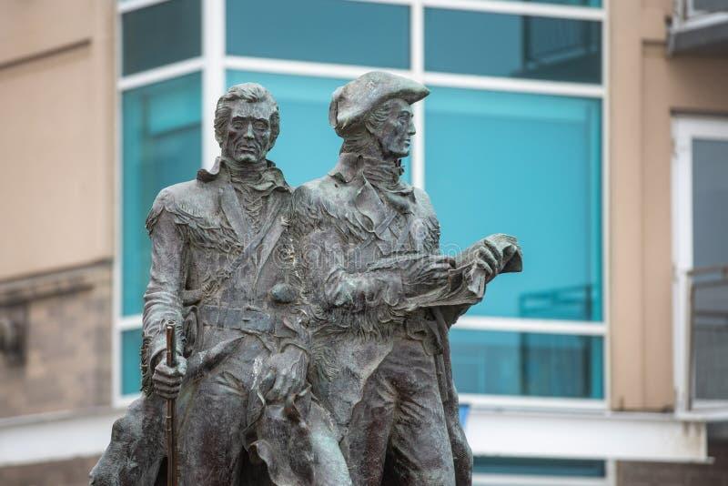 Lewis en het standbeeld van Clark royalty-vrije stock fotografie