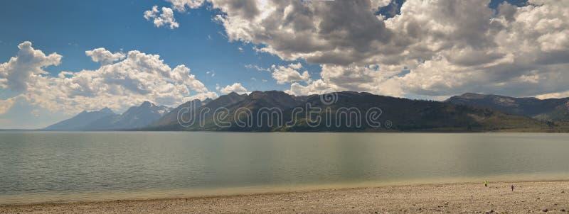 Lewis Lake panorámico fotografía de archivo