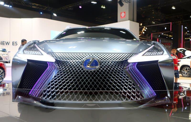 Lexus LS+Concept bil med futuristisk och aerodynamikdesign från en av den Toyota bilen fotografering för bildbyråer