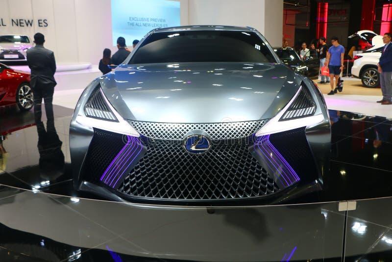 Lexus LS+Concept bil med futuristisk och aerodynamikdesign från en av den Toyota bilen arkivbild