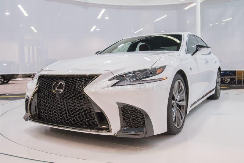 Lexus LS sur l'affichage image libre de droits