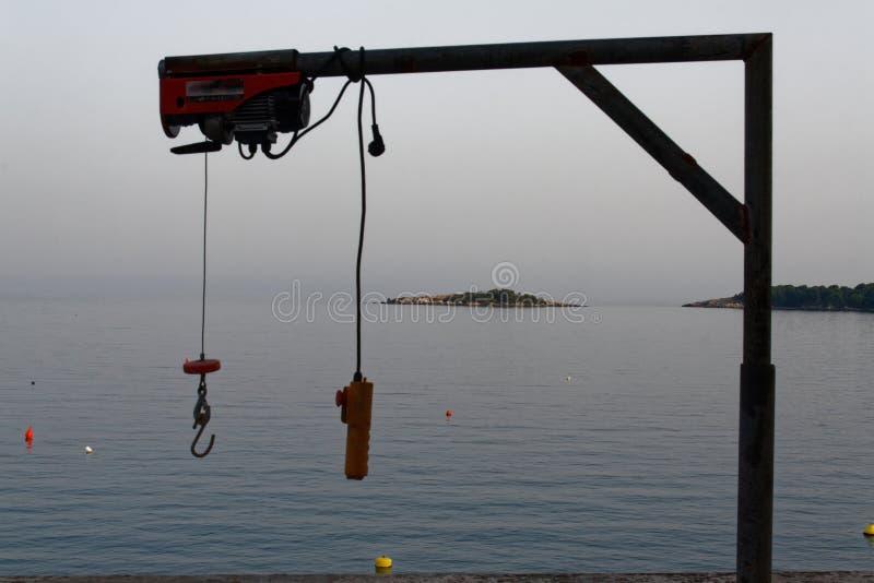 Lfiting apparat för fartyg med fjärrkontroll arkivbild