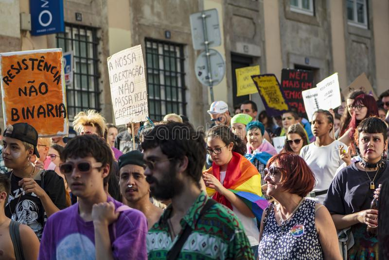 LGBT-stolthet ståtar i Lissabon fotografering för bildbyråer