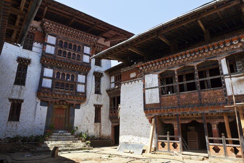 Lhuentse interior Dzong en Bhután - Asia del este imagen de archivo
