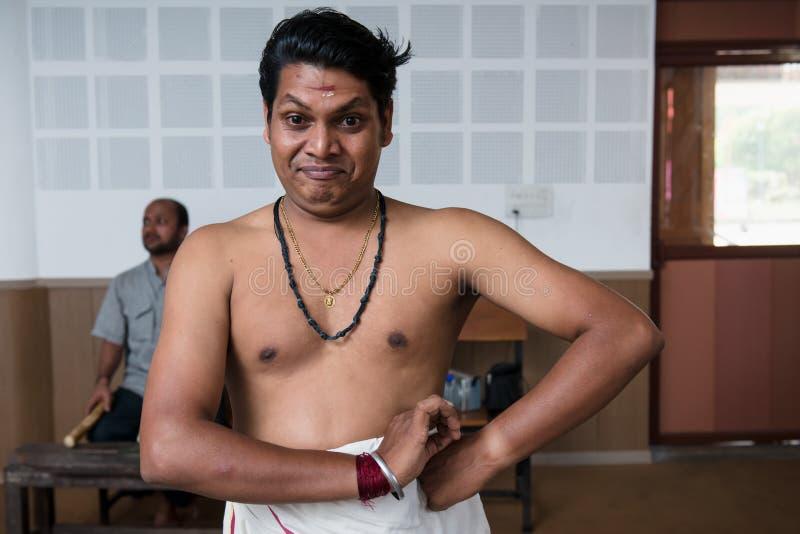 Lição de dança indiana clássica de Kathakali na colagem da arte na Índia fotos de stock royalty free