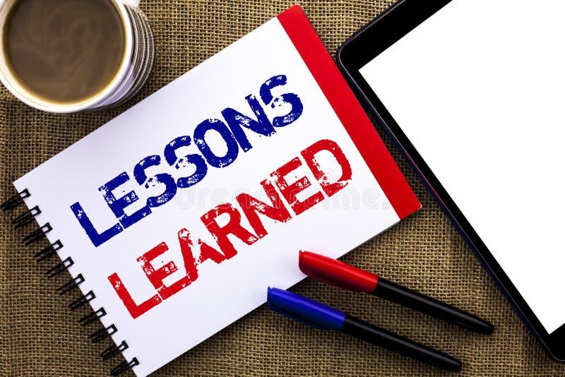 Lições do texto da escrita instruídas Experiências do significado do conceito que devem ser tomadas em consideração no futuro esc fotografia de stock