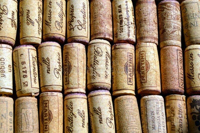 Download Lièges de vin photo stock éditorial. Image du nourriture - 56489488