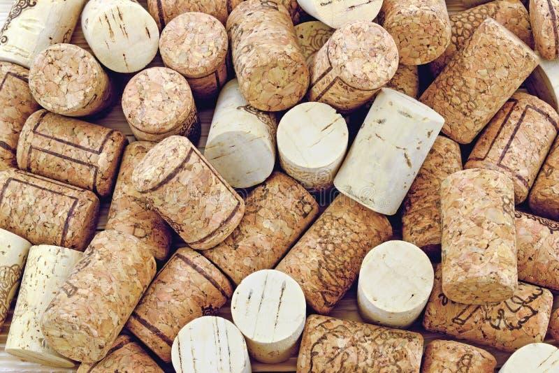 Lièges pour le vin photographie stock libre de droits