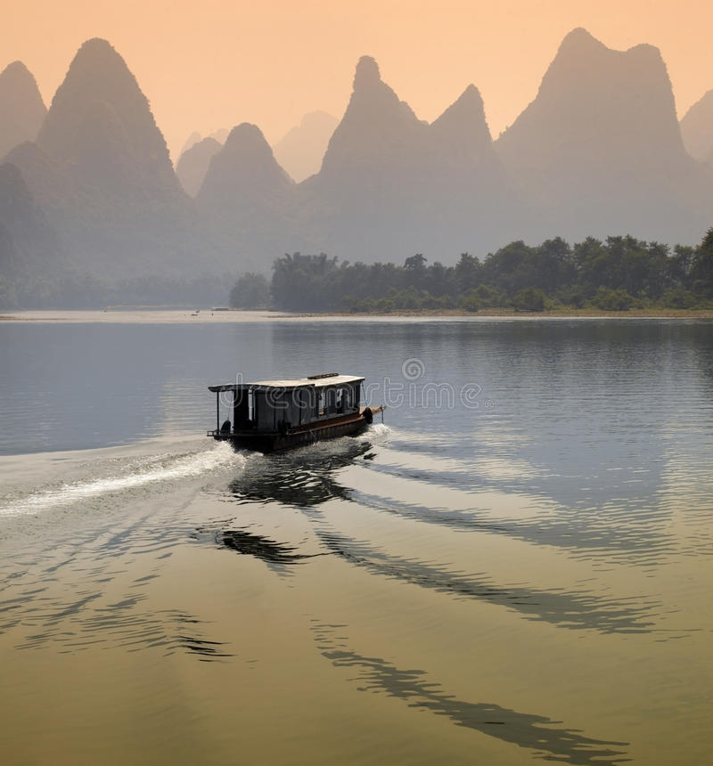 Li flod - det Guangxi landskapet - Kina arkivbild