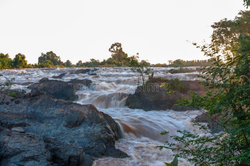 Li Phi Waterfall met SlowSpeed-Blind in Don Khone royalty-vrije stock afbeelding