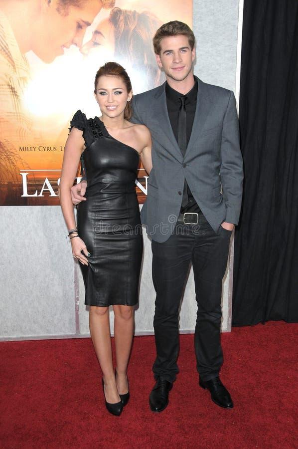 Liam Hemsworth Miley Cyrus royaltyfri fotografi