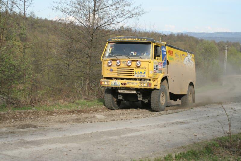 liaz集会卡车黄色 库存图片