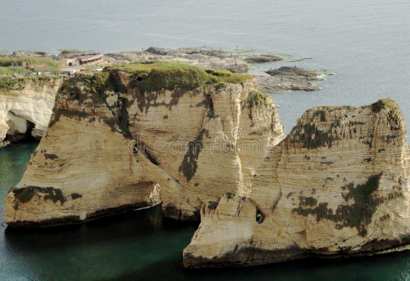 Libanon- - Beirut-Rauche Felsen stockfotografie