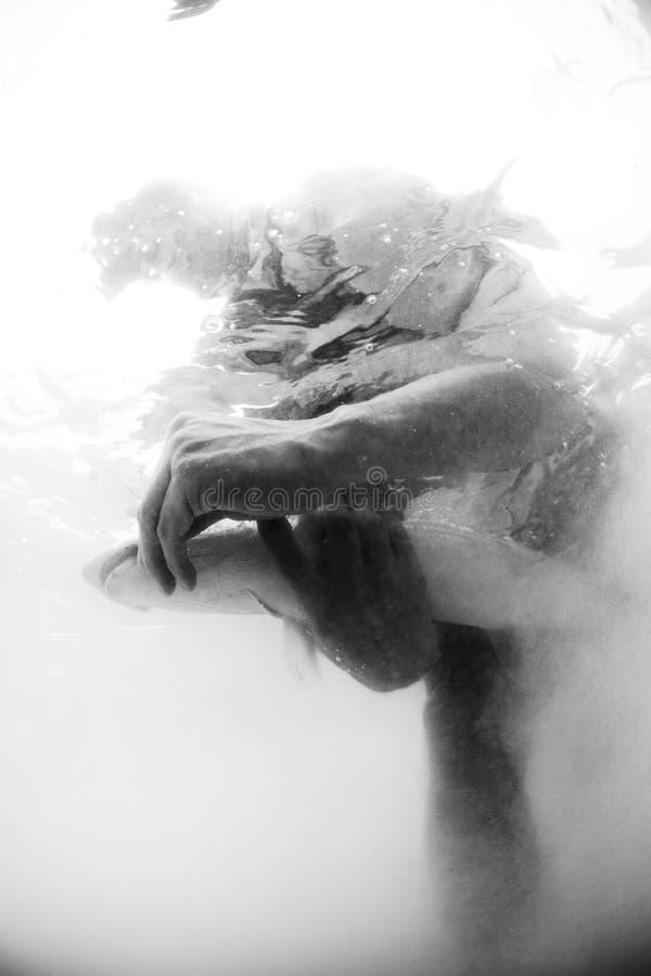 Liberação do Bonefish - pesca de mosca imagens de stock royalty free
