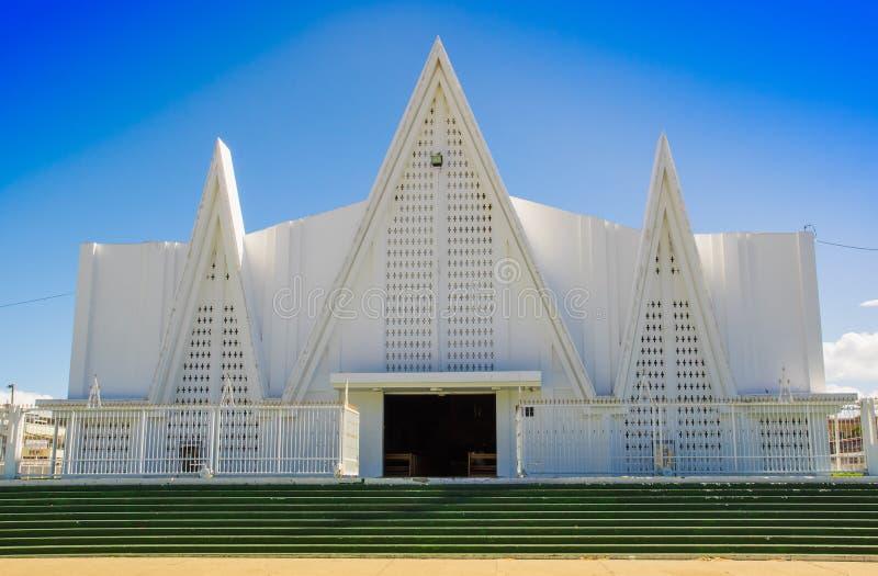 LIBERIA, COSTA RICA, JUNI, 21, 2018: Ansicht im Freien der schönen weißen Kirche von Liberia Guanacaste Costa Rica in herrlichem stockfotografie