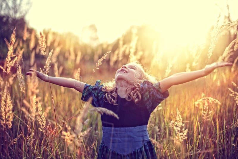 Libertà! infanzia spensierata immagine stock libera da diritti