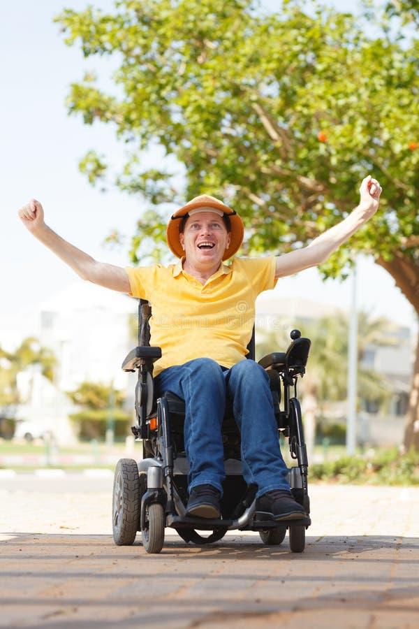 Liberté d'homme handicapé images libres de droits