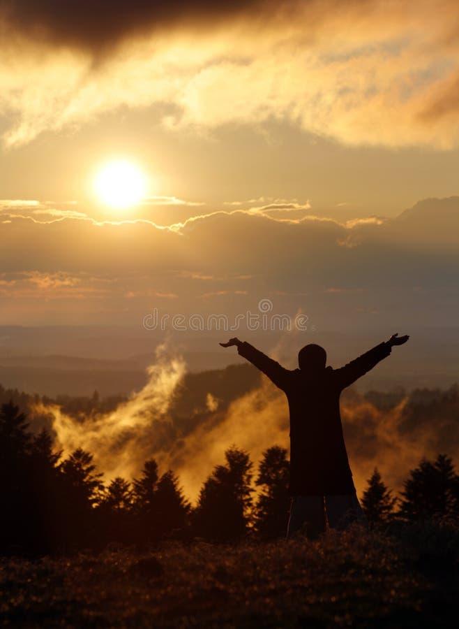Liberté et coucher du soleil photos stock