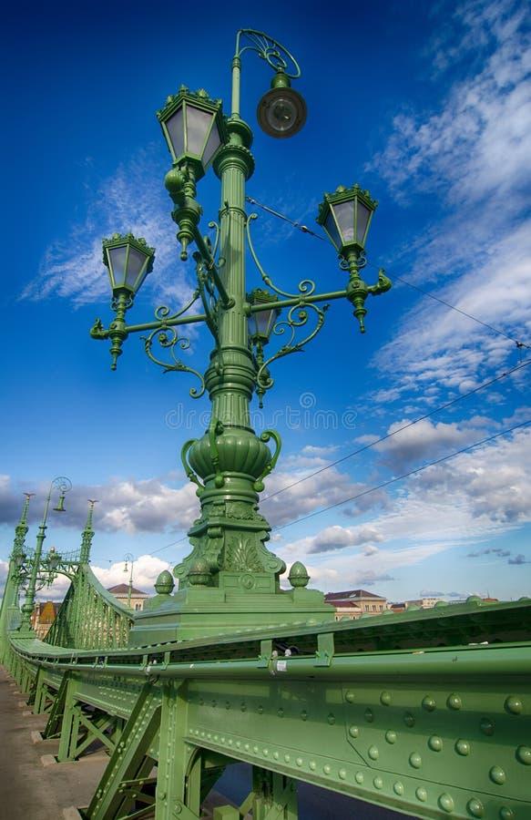 Liberty Bridge in Boedapest, Hongarije stock afbeeldingen