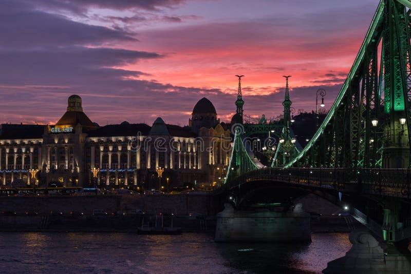 Liberty Bridge Budapest Hungary Sunset fotos de stock