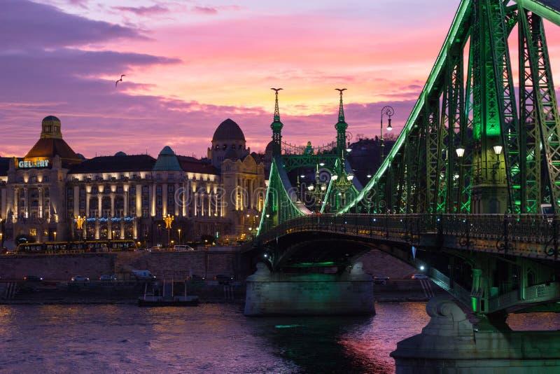 Liberty Bridge Budapest Hungary Sunset imagem de stock royalty free