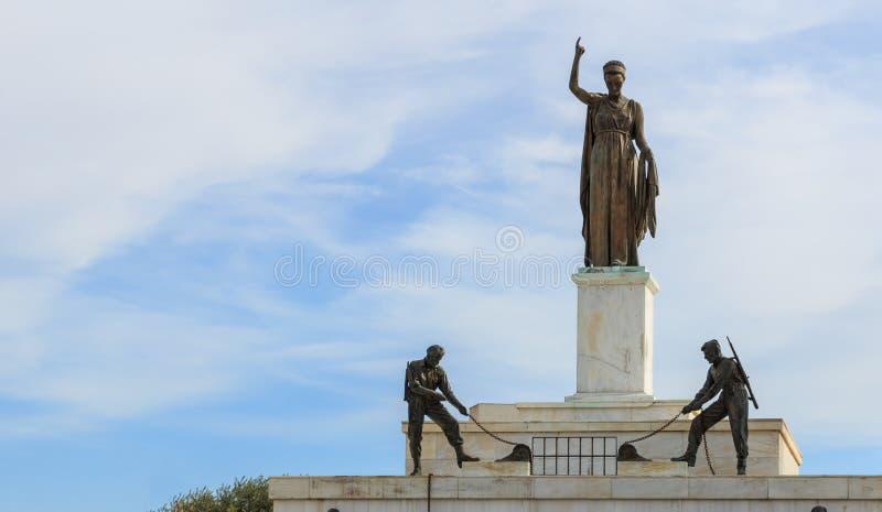 Liberty Monument na cidade de Nicosia, Chipre Opinião do close up foto de stock