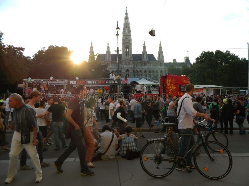 Liberty Parade i Wien arkivbild
