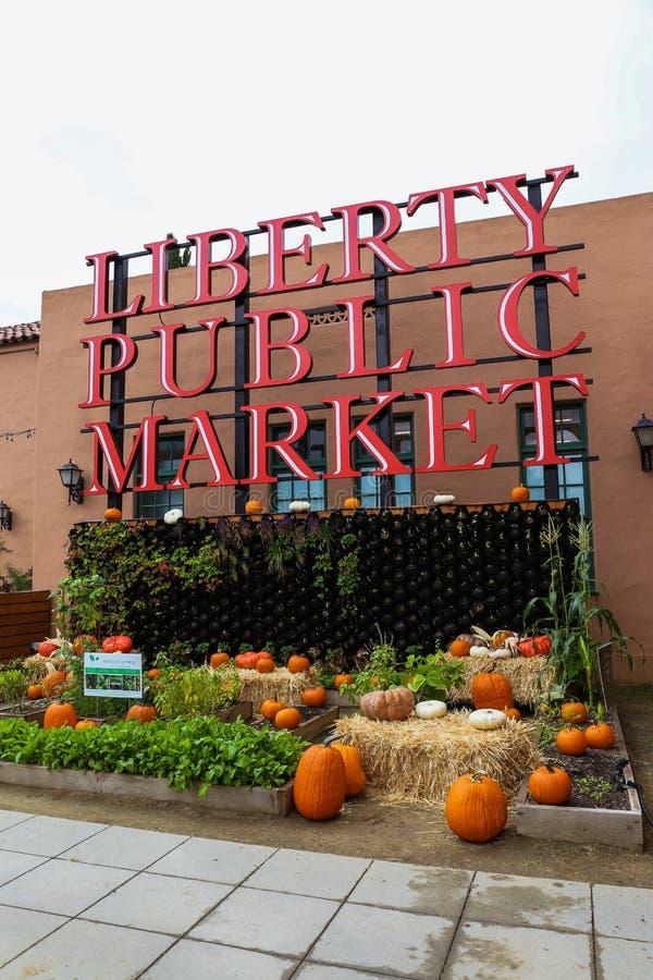 Liberty Public Market, una zona commerciale popolare in Point Loma, California fotografie stock libere da diritti