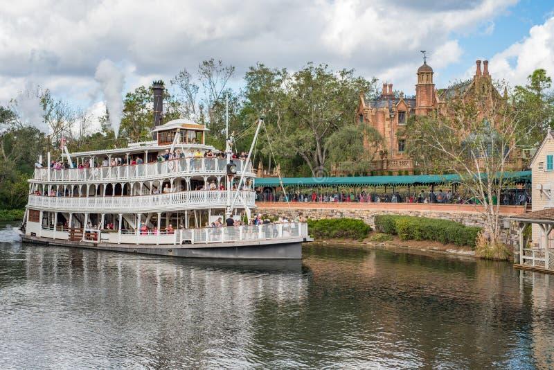 Liberty Square Riverboat, Liberty Belle bij het Magische Koninkrijk stock afbeeldingen