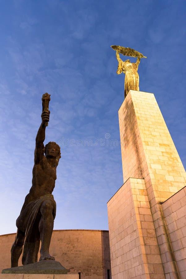 Liberty Statue sulla collina di Gellert immagine stock