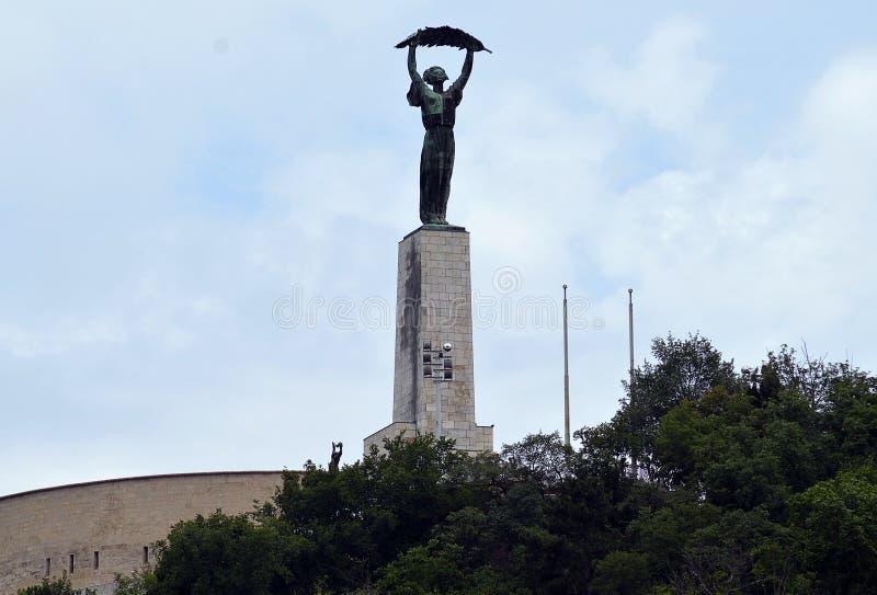 Liberty Statue sur la colline de Gellert, Danube overrlooking, Budapest image stock