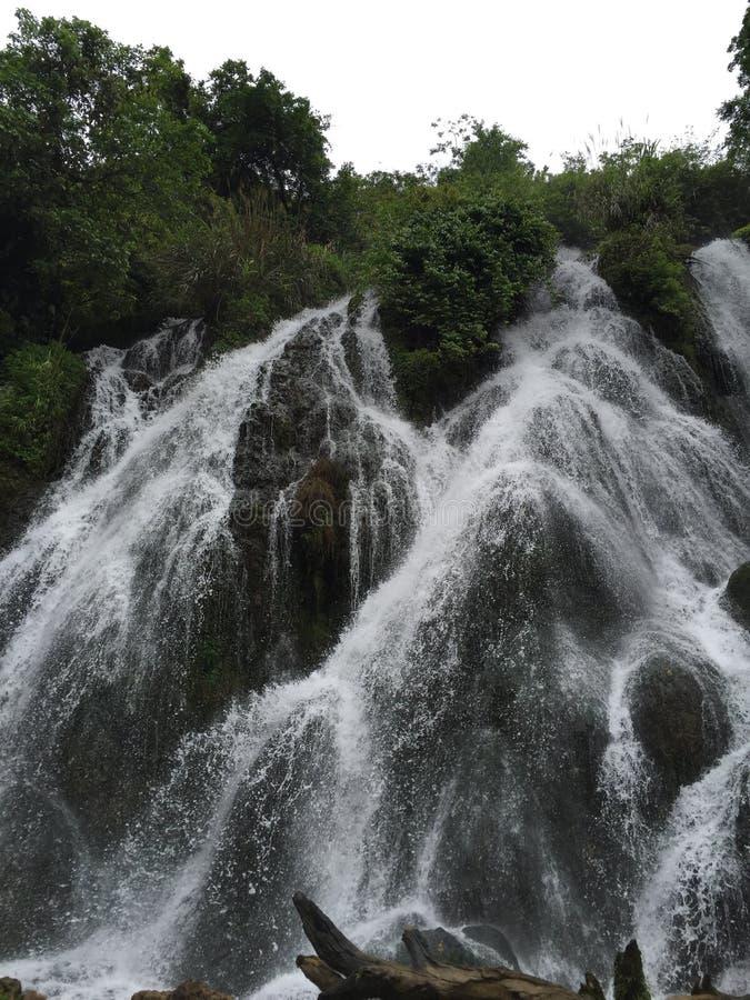 libo瀑布在贵州 免版税库存图片