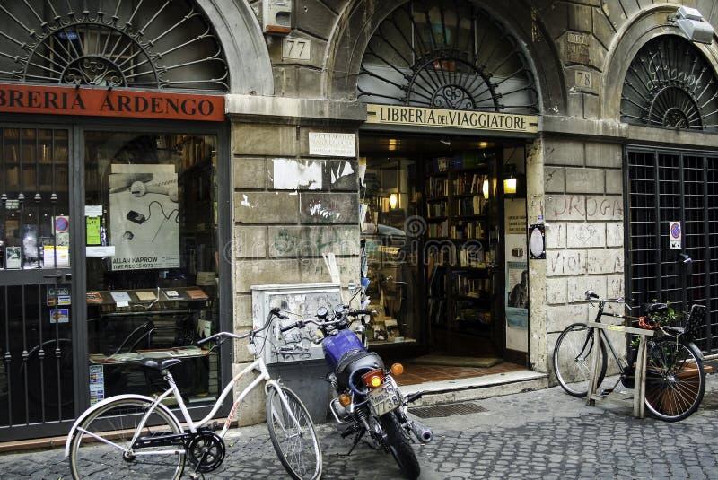 Librairie à Rome images stock